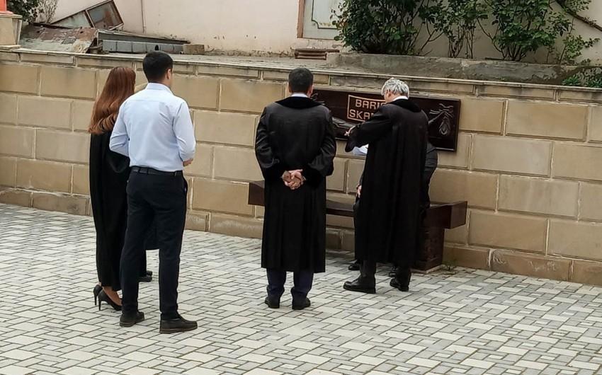 В Азербайджане судья помирил стороны, усадив их на скамью примирения