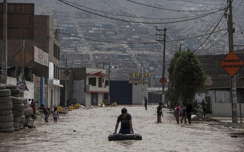 Peruda daşqınlar nəticəsində 100-dən çox insan ölüb