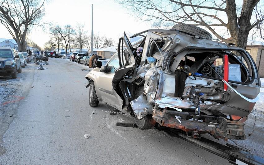 DİN: Bir sutkada yol qəzalarında 4 nəfər ölüb, 10 nəfər xəsarət alıb