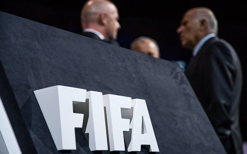 FIFA Arsenalı transferlərə görə cərimələdi