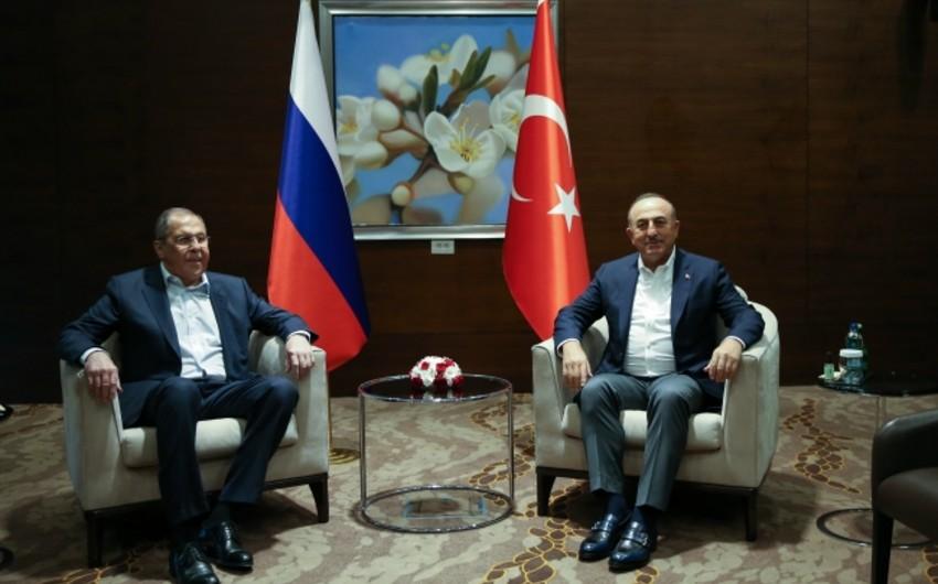 Türkiyə və Rusiya XİN başçıları Qarabağdakı vəziyyəti müzakirə ediblər