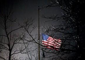 Байден распорядился приспустить флаги в связи с гибелью полицейского
