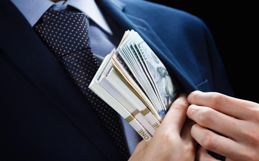 İtkin düşən erməni hərbçisinin atasına 3 min dollarlıq dələduzluq edilib