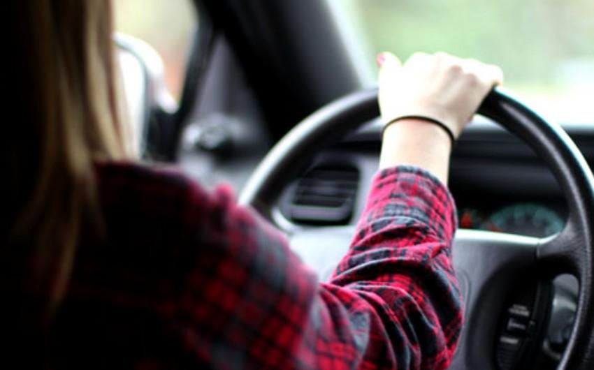 Сокращен срок наказания женщине-водителю, столкнувшейся с 4 автомобилями и сбившей насмерть пешехода в Баку