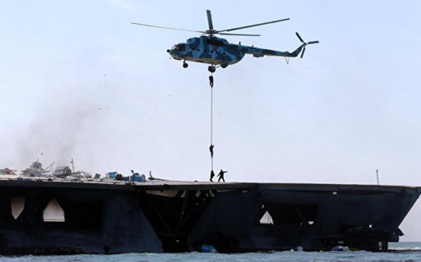 İran dəniz quldurlarının neft tankerinə hücumunu dəf edib