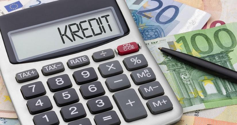 Azərbaycanın dövlət banklarının kredit qoyuluşunda payı 18%-ə çatıb