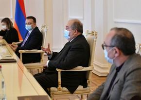 Президент Армении пригласил премьера и представителей оппозиции на встречу