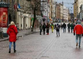 В Латвии непривитым гражданам запрещено посещение магазинов