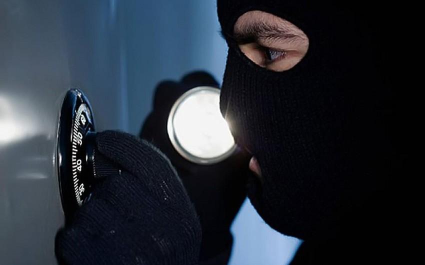 Бакинская полиция задержала серийного вора-домушника