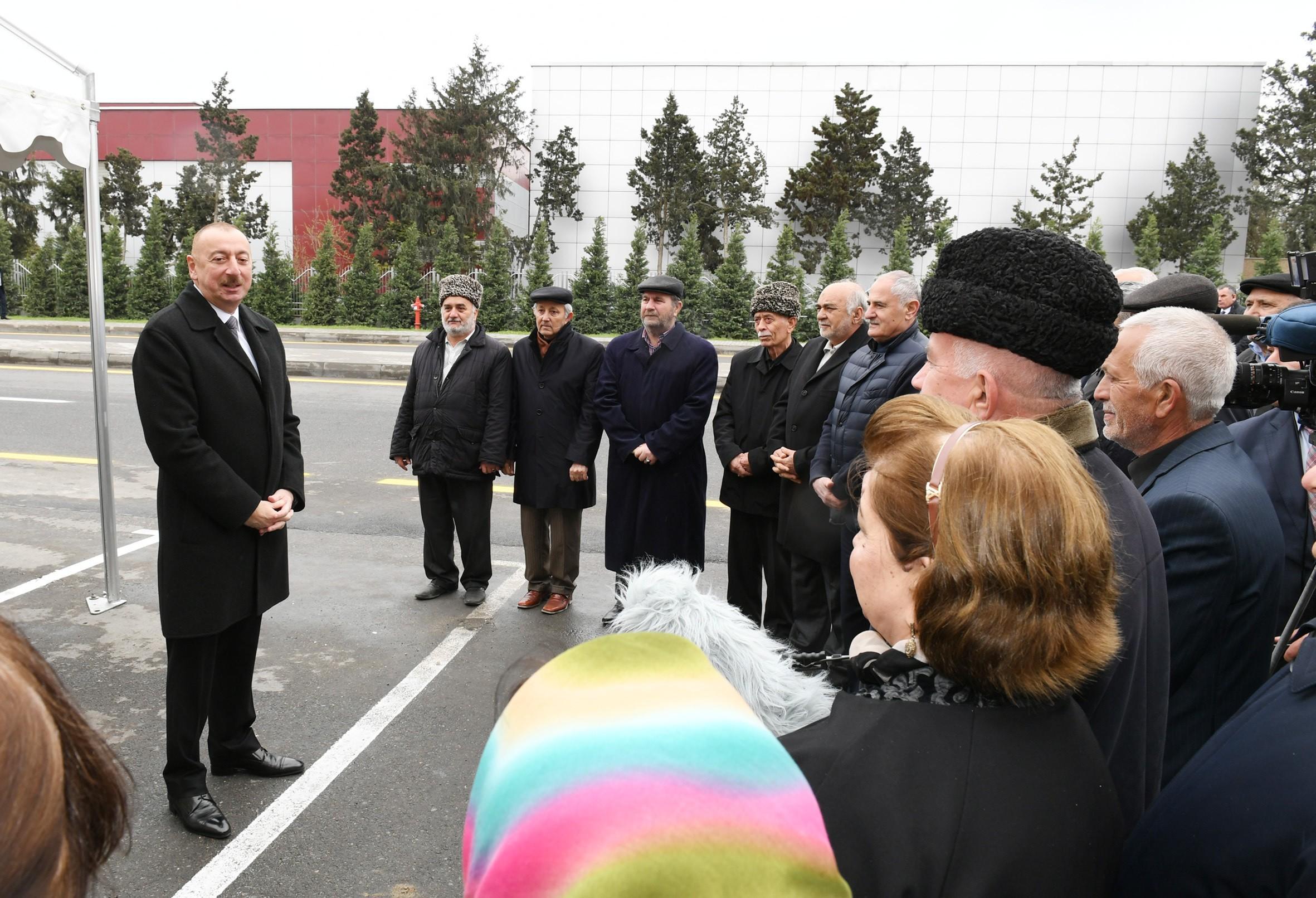 Президент Ильхам Алиев встретился с гражданами - ФОТО