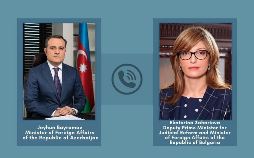 Состоялся телефонный разговор глав МИД Азербайджана и Болгарии