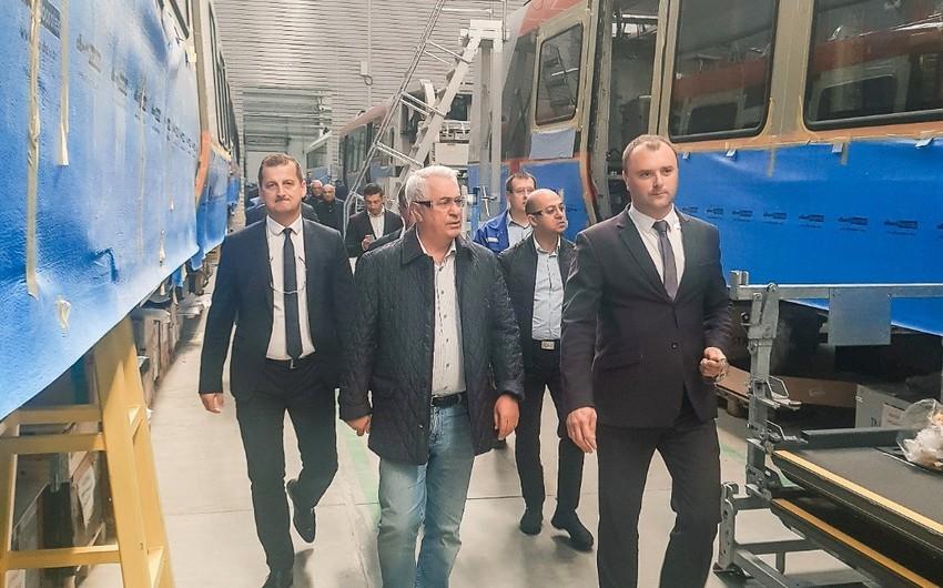 """Azərbaycan Dəmir Yolları""""nın sədri Stadler Minsk zavodunda olub"""