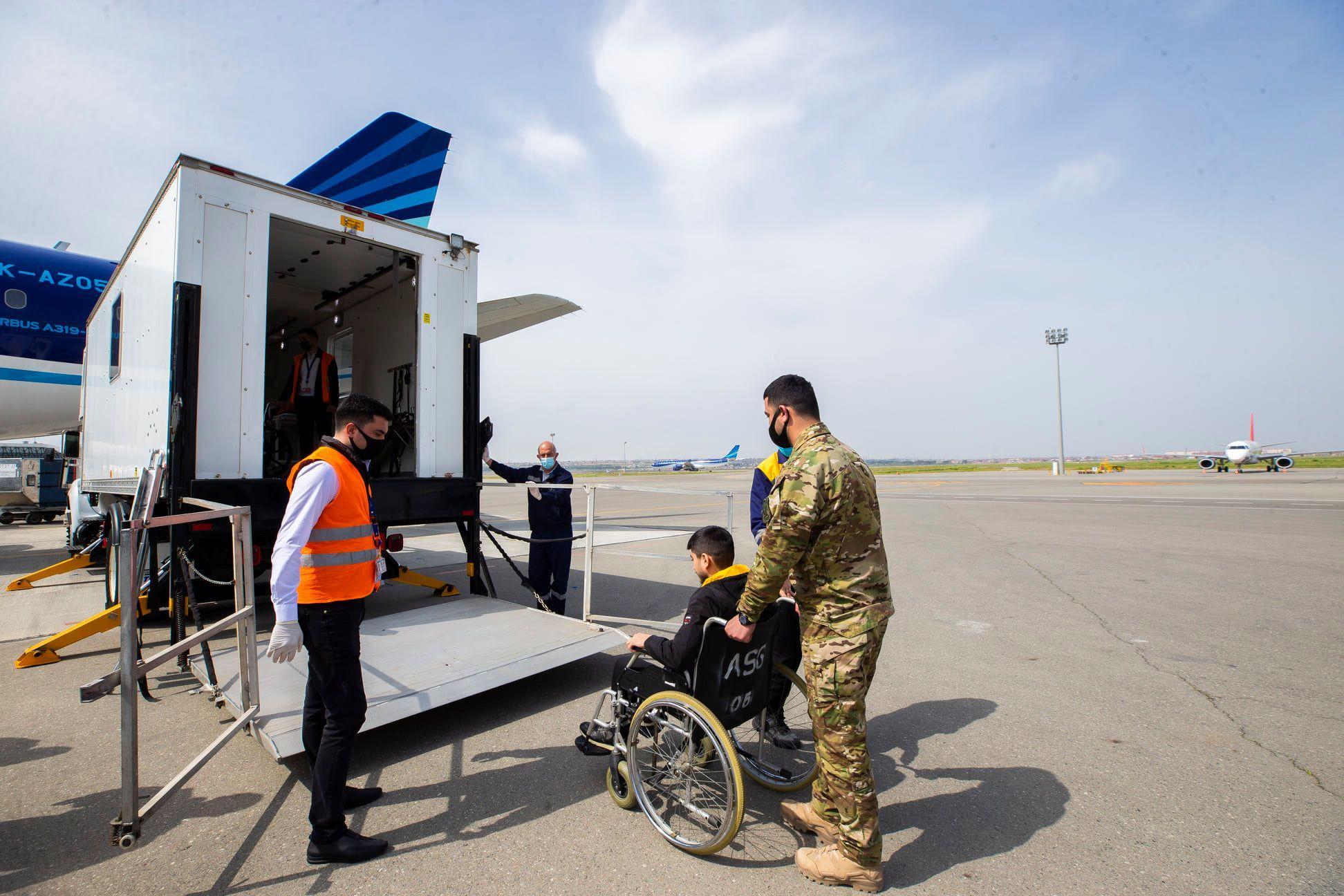 Daha 12 qazimiz Türkiyəyə göndərildi - FOTO