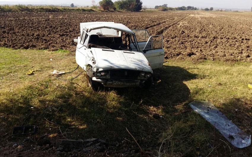 Goranboyda minik avtomobilinin aşması nəticəsində yaralananların şəxsiyyəti müəyyənləşib - FOTO - YENİLƏNİB