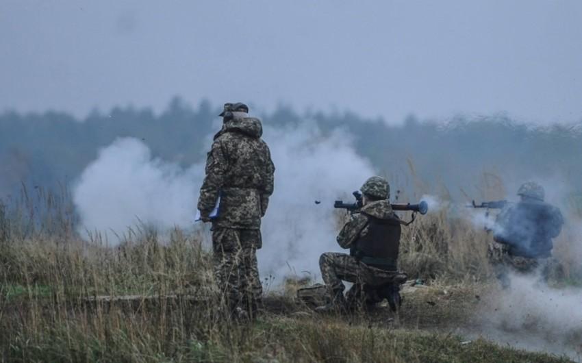 Ukrayna münaqişə zonasında 3 hərbçisini itirib