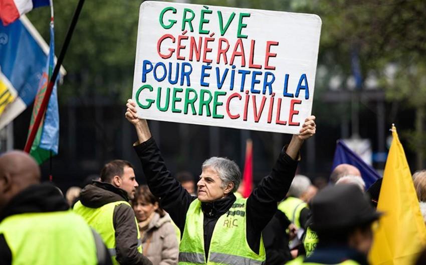Fransada sarı jiletlilərin 27-ci aksiyası keçirilib