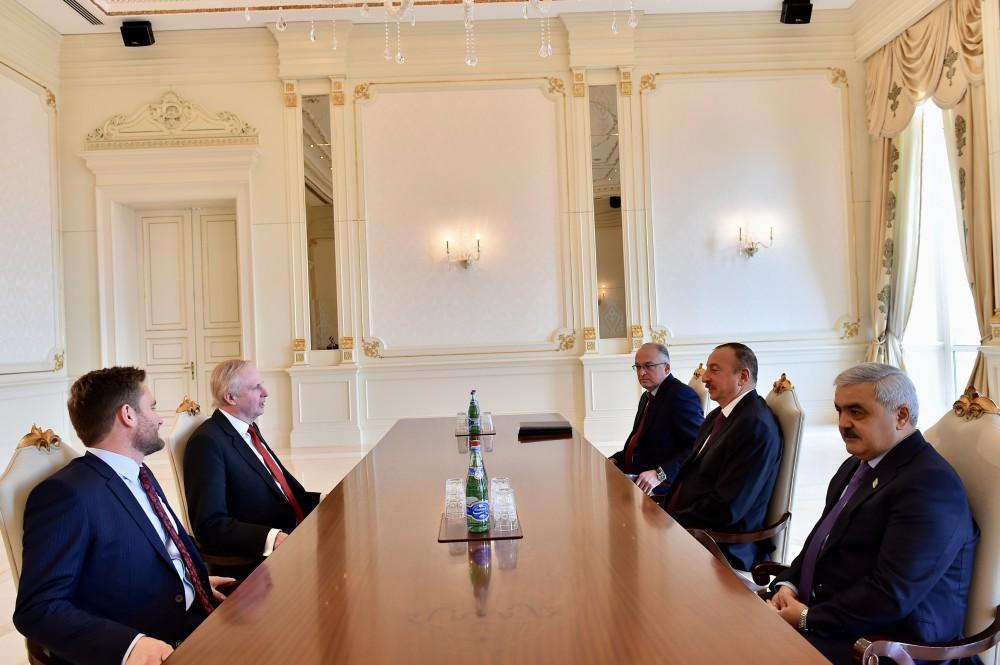 Prezident İlham Əliyev BP şirkətinin prezidentini qəbul edib - YENİLƏNİB