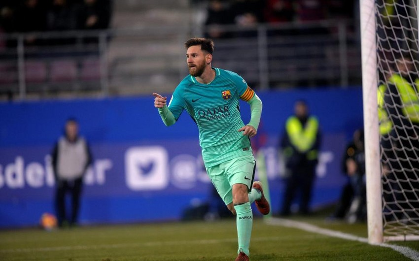 Barselona Lionel Messiyə ildə 40 milyon avro təklif edib
