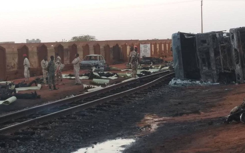 56 people killed in fuel tanker explosion in Nigeria - PHOTO