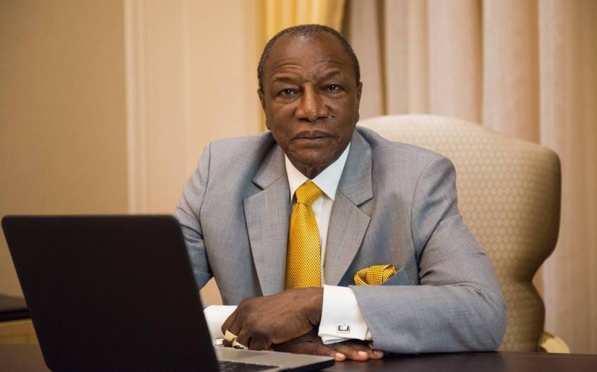 Президент Гвинеи избил на улице министра