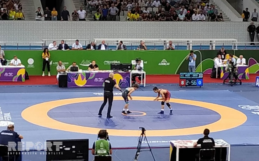 Azerbaijani wrestlers claim two gold medals at EYOF 2019