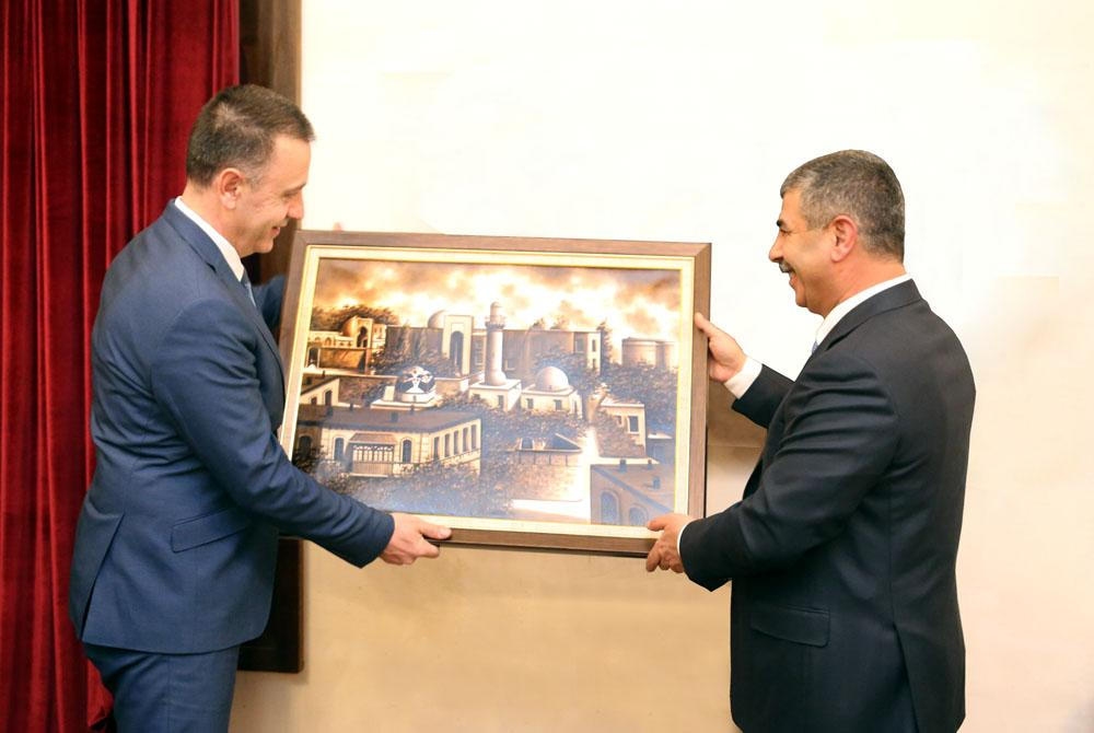 Azerbaijan and Romania discuss military cooperation