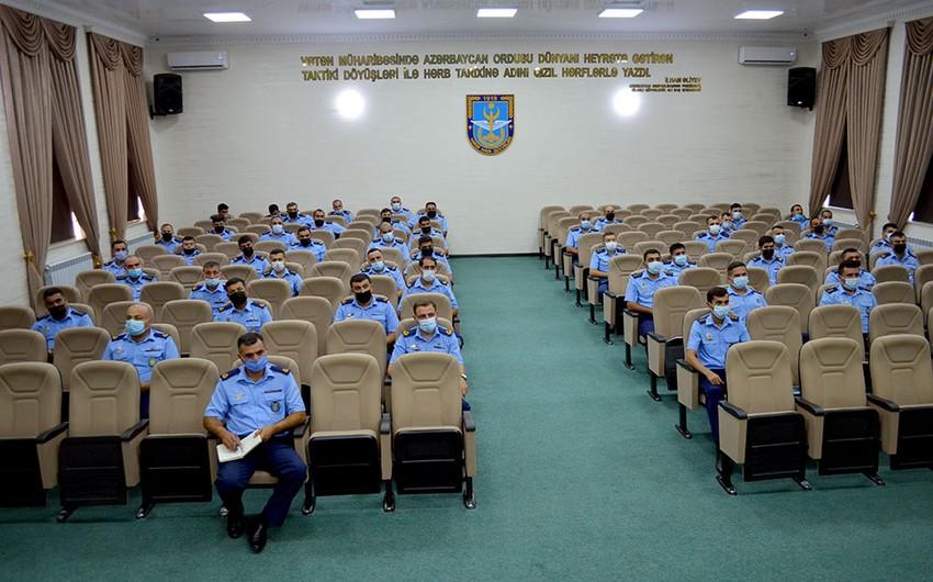 Azerbaijan Army conducts seminars for military servicemen