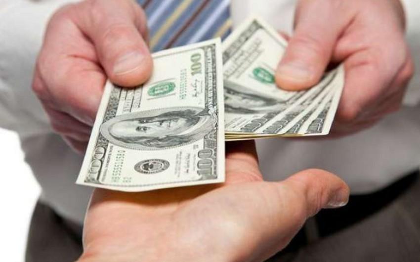 Azərbaycan bankları dollar alışını dayandırıb