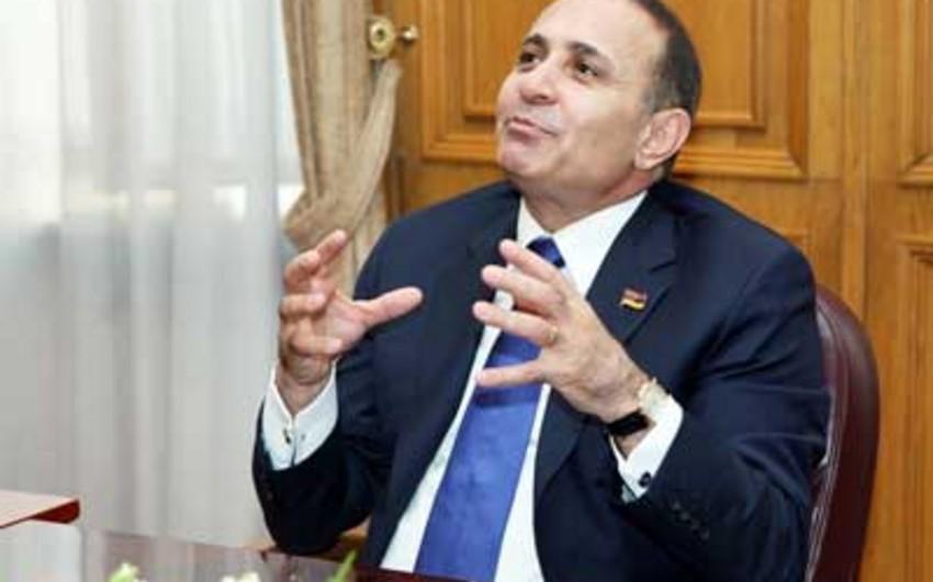 Недовольные бизнесом семьи премьера Армении перекрыли автомагистраль