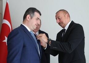 Ильхам Алиев вручил Лютфи Халуку Байрактару орден Карабах