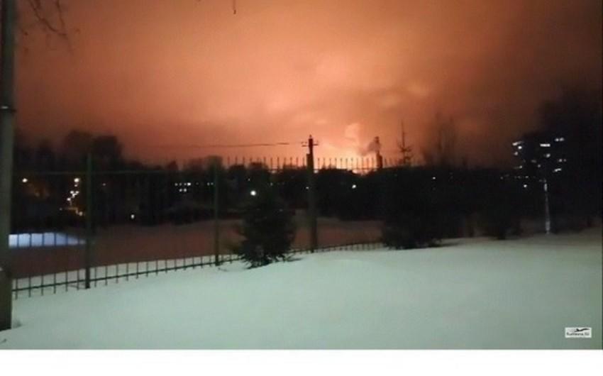 Rusiyada neftayırma müəssisəsində partlayış baş verib