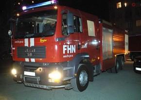 Yasamaldakı yanğında FHN-nin əməkdaşı ağır yaralandı