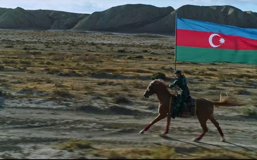 Президент Азербайджана разместил публикацию в facebook в связи с Днем государственного флага - ВИДЕО