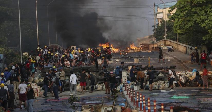 16 servicemen killed in Myanmar