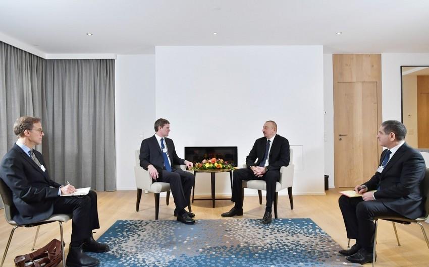 Президент Ильхам Алиев встретился в Давосе с президентом компании Visa