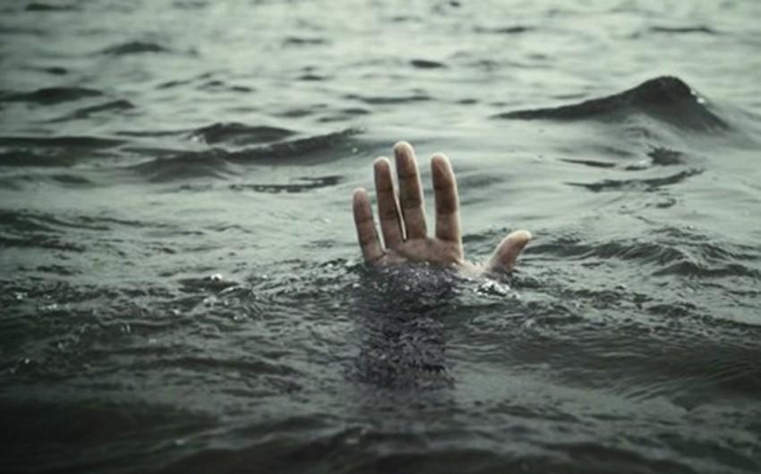 Salyanda azyaşlı su kanalında boğulub