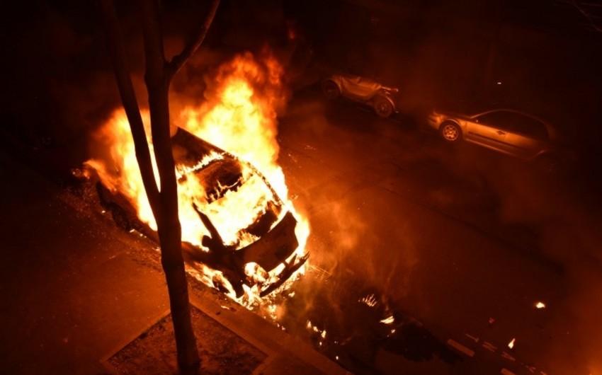 Fransada Yeni il axşamı 1031 avtomobil yandırılıb