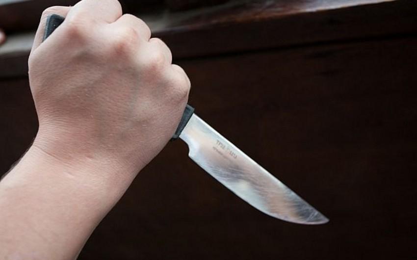 Salyan sakini qonşusunu bıçaqlayıb