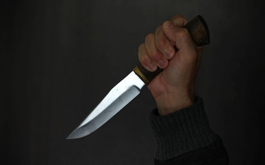 Samuxda kişi baldızını bıçaqlayıb