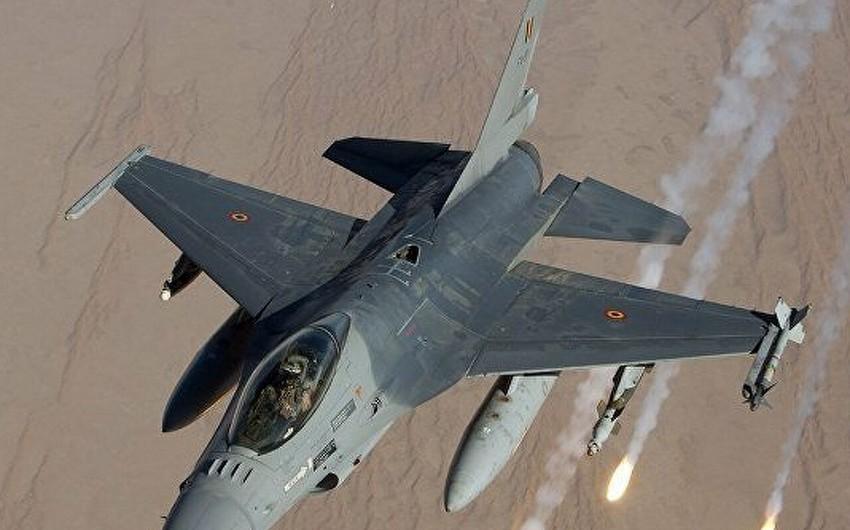 Belçikanın F-16sı Niderlandın hərbi bazasına çarpılıb, 2 nəfər yaralanıb