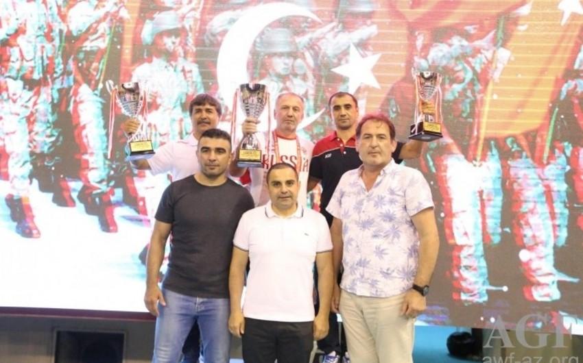 Azərbaycanın gənc güləşçiləri beynəlxalq turnirdə 11 medal qazanıblar
