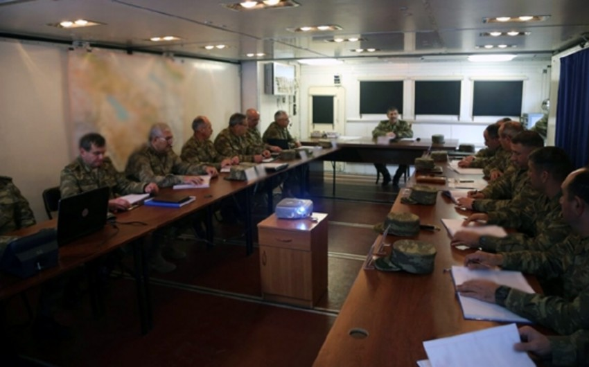 Azerbaijani Defense Minister held a meeting in field conditions
