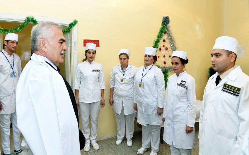 Naxçıvan Qarnizonunun Hərbi Hospitalına bayram sovqatı aparılıb - FOTO