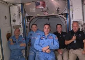 Экипаж Crew Dragon успешно перешел на борт МКС - ВИДЕО