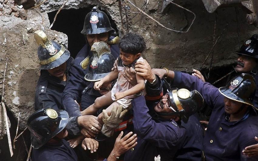 Hindistanda bina uçub, 5 nəfər ölüb, 30-a yaxın insan dağıntılar altında qalıb