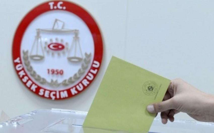 Türkiyədə parlament seçkiləri keçirilir