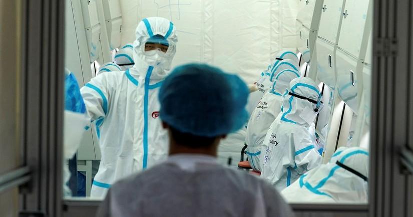 В Китае за сутки выявили 13 случаев заражения коронавирусом