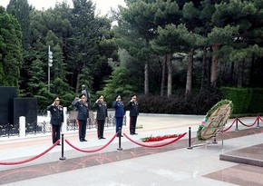 Defense Ministry's leadership visits Alley of Honor and Alley of Martyrs