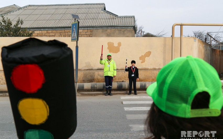 One day of crossing guard in Baku - VIDEO REPORT