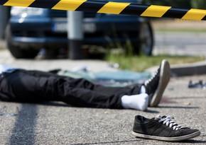 В Баку мотоцикл столкнулся с автомобилем, есть пострадавший